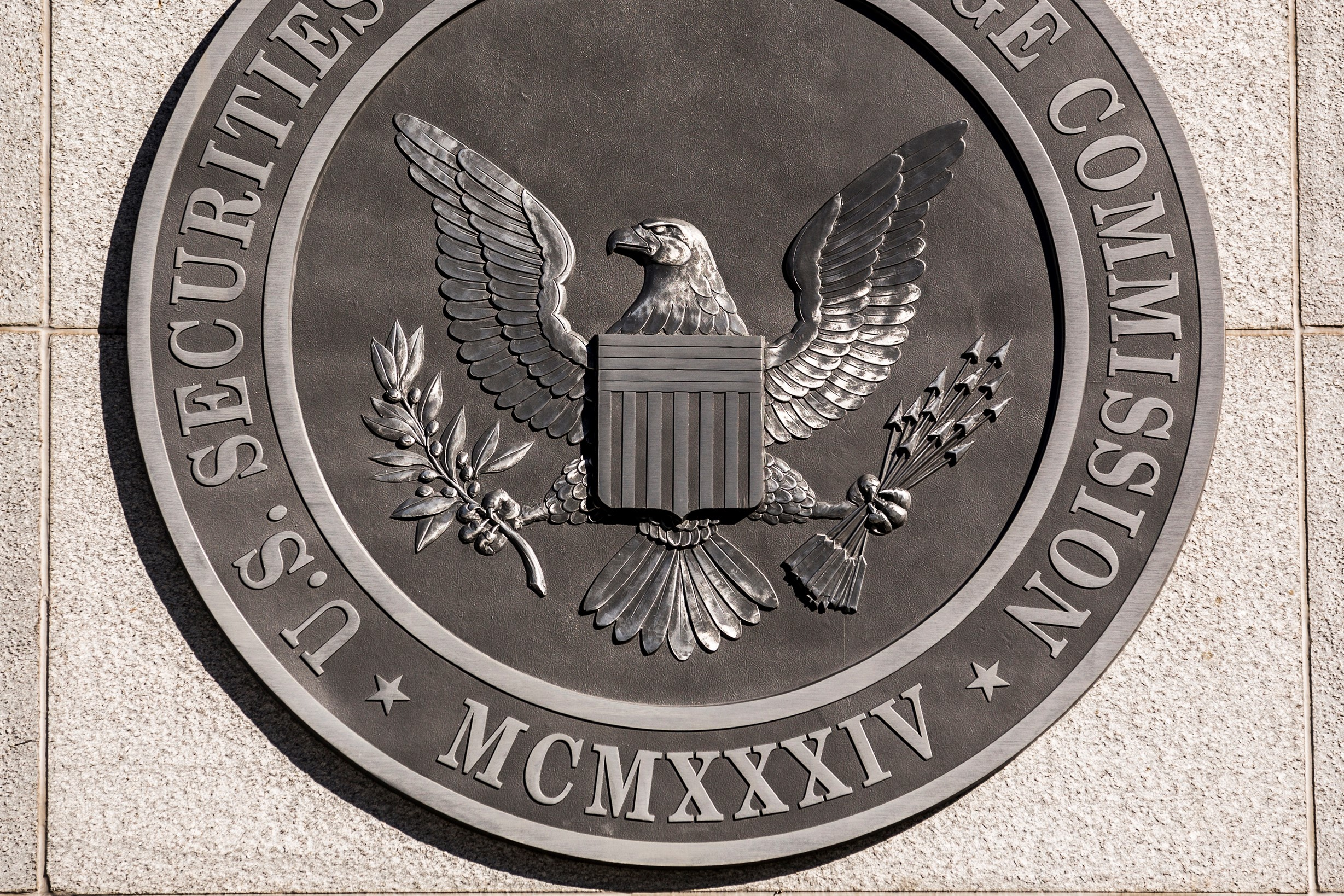 Morning News: US ICOs Fall into Line, USD 18m Scam and 5,704 Victims