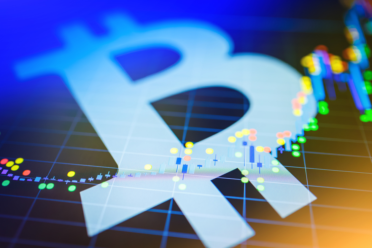 Bitcoin Struggled While Altcoins Gained