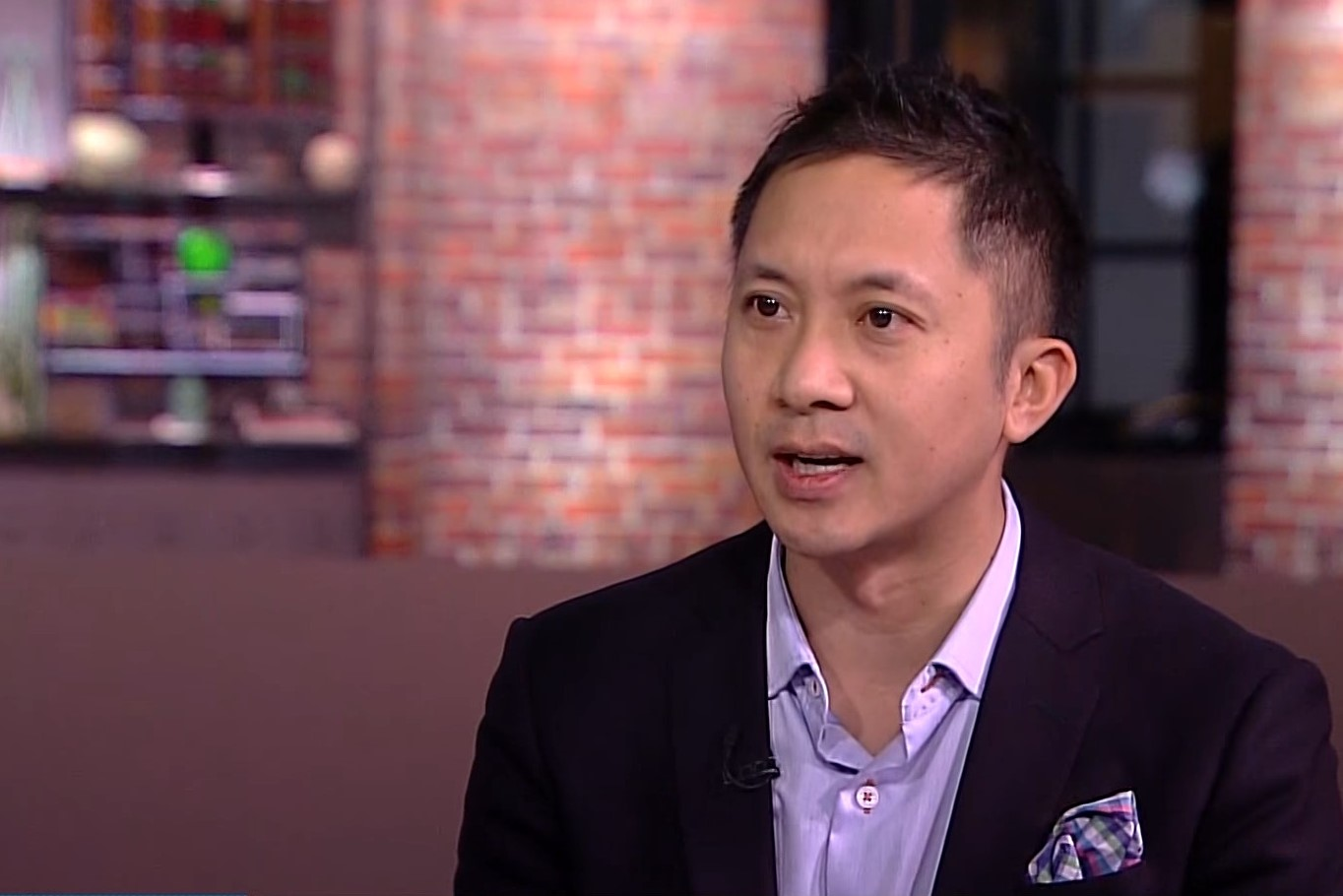 This Investor Beats the Market, Says it's a Good Time to Buy Bitcoin