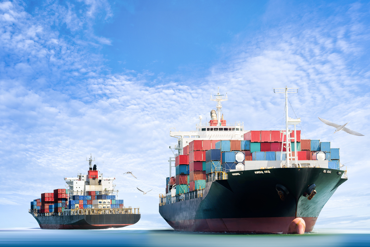 Big Blockchain, Crypto Firsts: Shipment Succeeds, UK Hedge Fund OKed