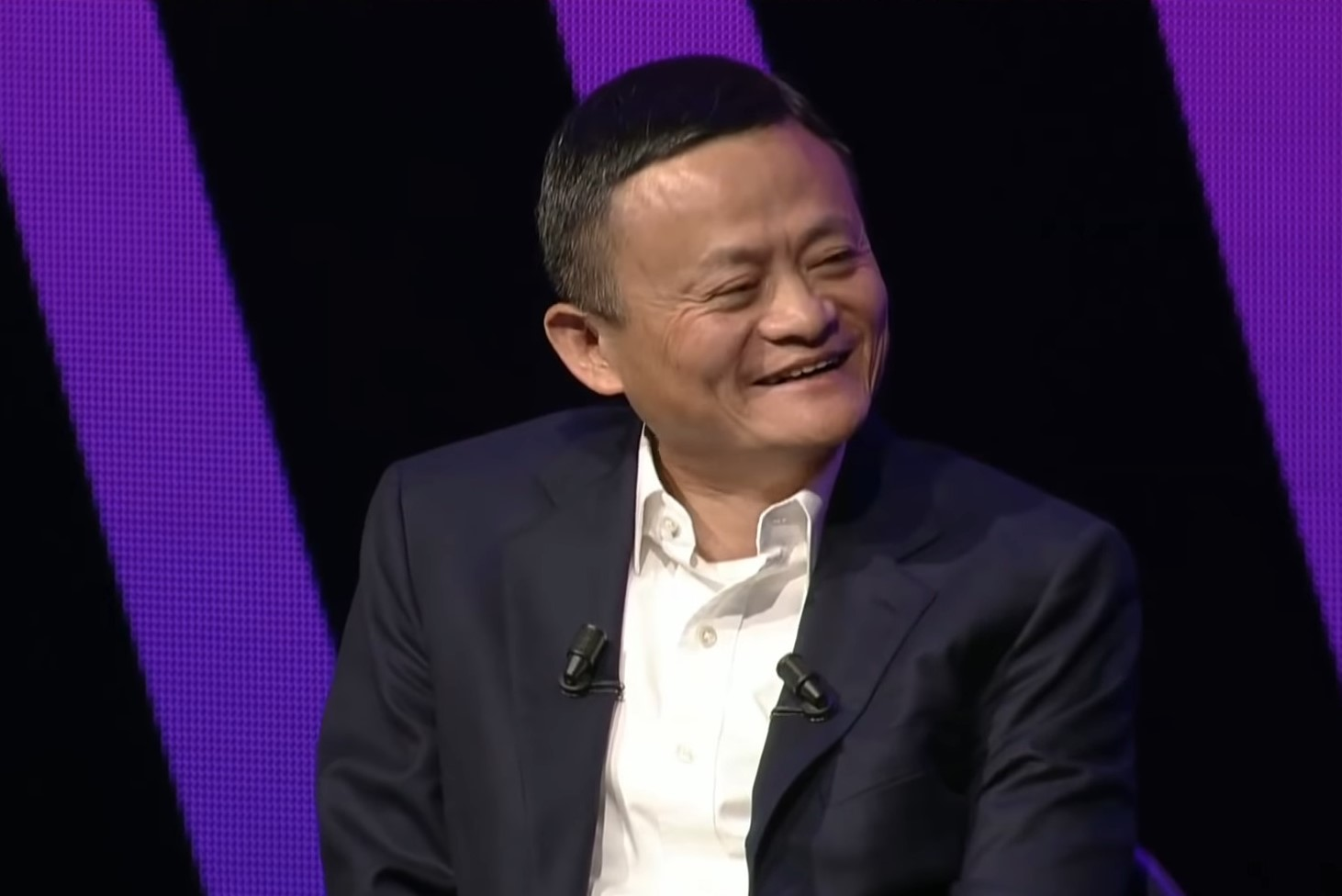 A Story of 1 Picture: How Blockchain Startup Accidentally Met Jack Ma