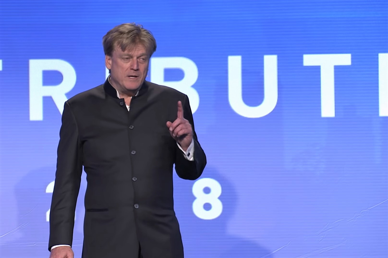 Crypto-keen Overstock CEO Steps Down Amid Controversy