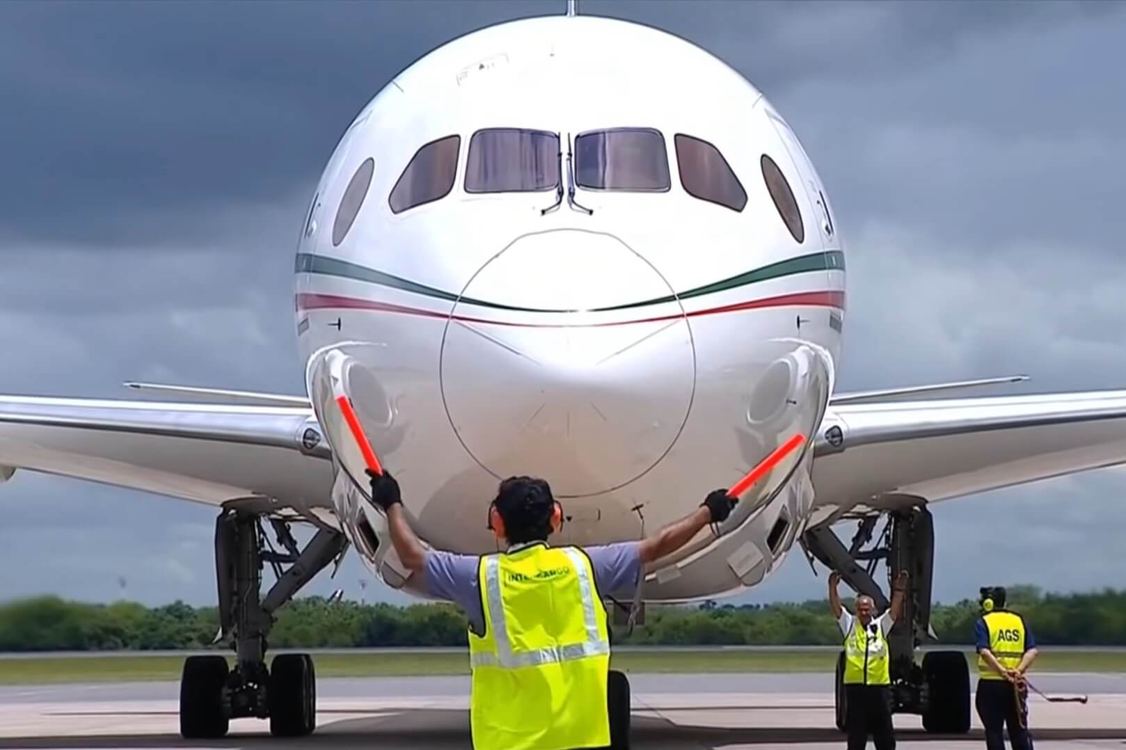 Mexican Firm Offers Crypto in Exchange for Presidential Plane