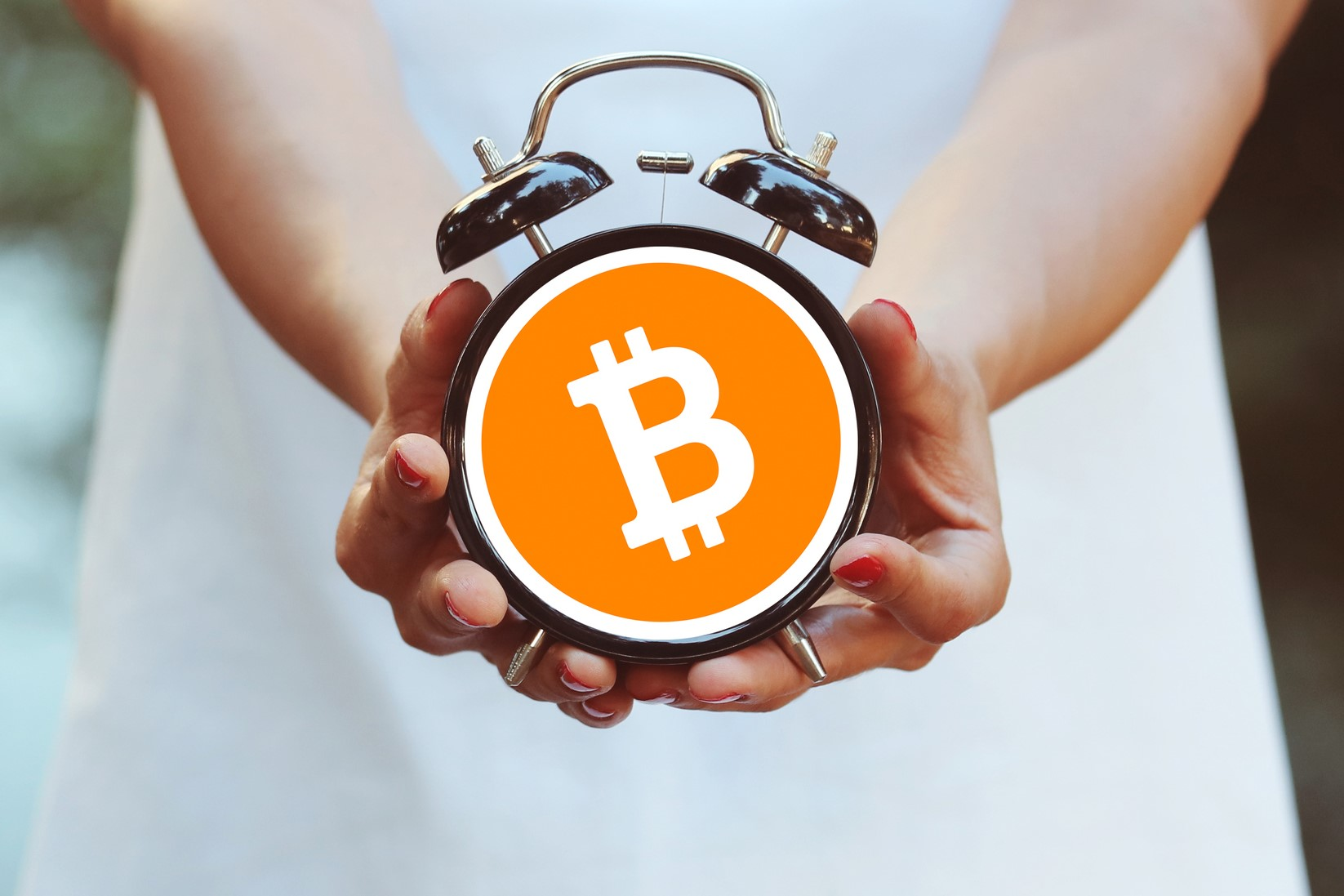 Bitcoin Transactions Are Down: Should Investors Worry?