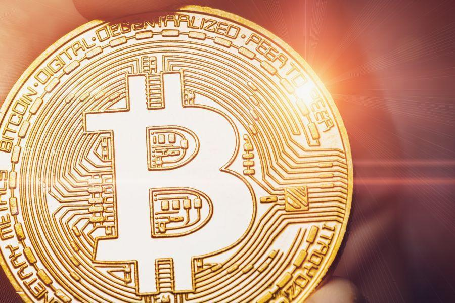 Bitcoin accelera, supera i 51.000 USD