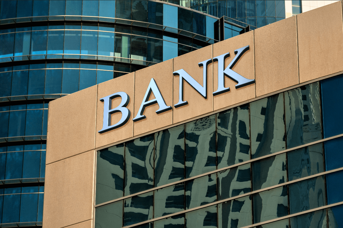 With Banks Turning to Bitcoin, Is It Finally Time to Long the Bankers?