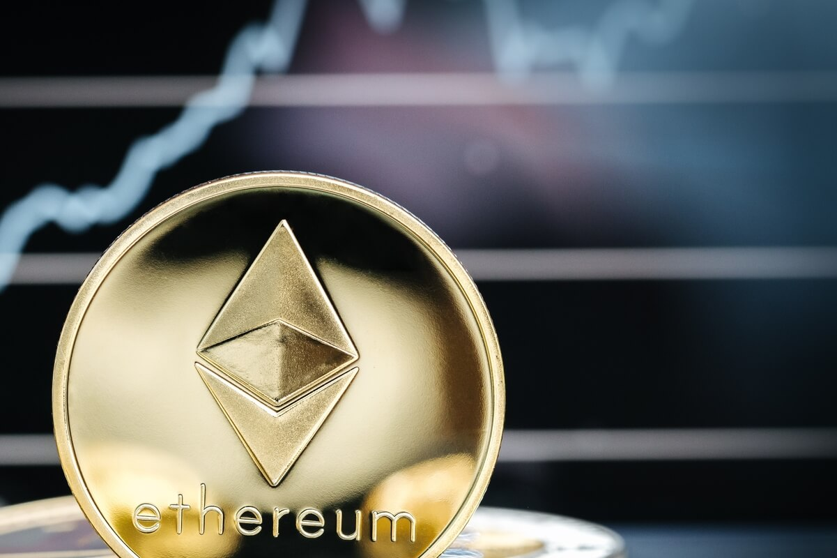 ETH Decouples from BTC with Use Cases & Competition in Focus