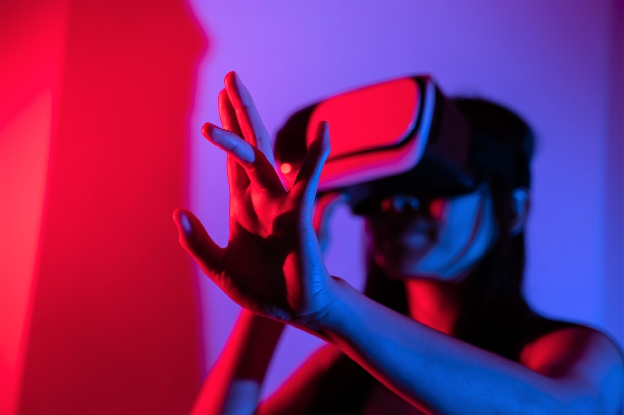 Investing in the Metaverse: 4 Ways to Invest in Virtual Future